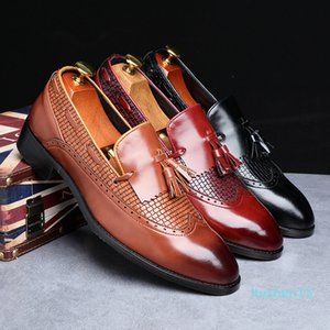 2020 Newest Men Tassel Loafers Italian Dress Shoes Casual Loafer for Men Slip-on Wedding Party Shoes Male Designer Leather Shoes l15