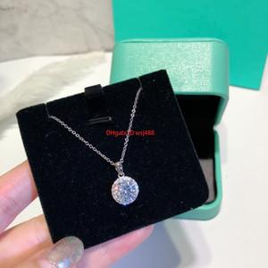 Pingente de colar feminina Designer temperamento colar versátil Design Festa oco clavícula cadeia simples elegante redonda pequena diamante