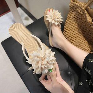 KHTAA Frauen-Sommer-Flip-Flops Causal Blumen Slippers Damen-Beleg auf flache Schuhe Weibliche Mode Non Slip Slides Zehensandale New