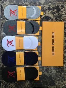 Con la caja de estilo de negocios calcetines para los hombres maduros los calcetines con BasicLVCalcetines 5pair simples calcetines deportivos para hombres de las mujeres