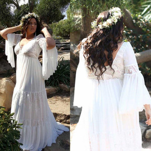 2020 Plus Size Boho Wedding Dresses A Line V Neck Appliqued Lace Bell Sleeve Bridal Gowns Sweep Train Custom Made Bohemian Wedding Dress
