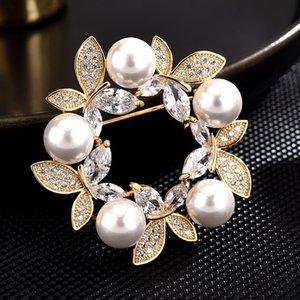 Farfalla Corona Spille Pins Toracica Ago rame Micro zircone spilla di lusso Pin Spilla Accessori Abbigliamento