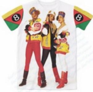 3D Impressão Digital de Verão Camisetas 8 Carta Três Ídolos Padrão de Impressão Mens Womens Streetwear T-Shirts Plus Size S-6XL Hip Hop Solto Camisetas