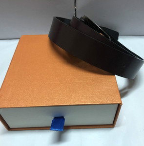 Cinghie di modo per Mens cinghie designer Belt plaid cinghia cinghie di cuoio commerciali Fiore Donne Big oro / argento fibbia con ceintures Box