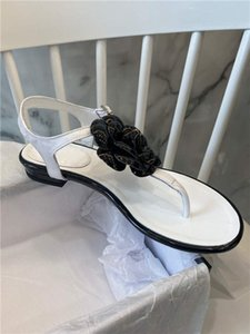 High quality 2020 new popular classic fashion leather sheepskin sandals sexy girl Camellia low heel sandals women 6-color slippers 34-42 t03