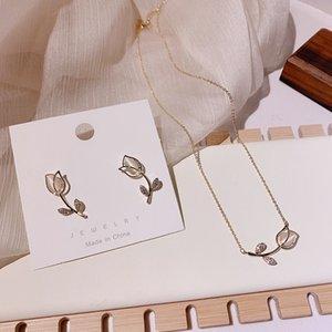 MENGJIQIAO Art und Weise elegante nette Opal-Rosen-Blumen-Bolzen-Ohrringe für Frauen Students Empfindliche Micro Gepflasterte Zirkon Schmuck Oorbellen