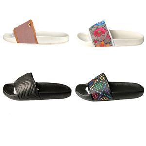Womens Rubber Mens slides sandália Women Sandals Chaussures sapatilhas Pérola Cobra Imprimir Flip Flops mulheres listradas Praia causal slipper