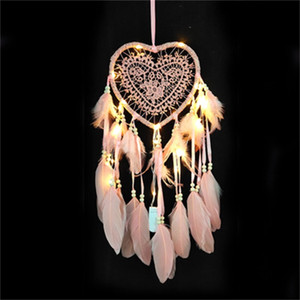 Nuevo creativo en forma de corazón Dream Catcher Feather Dreamcatcher hecho a mano con luz de cadena Home Wall Hanging Decoration Venta caliente 13 5lz