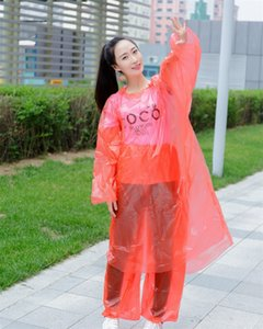 Monouso Impermeabili PE di plastica di colori solidi di viaggio deve Split Hood Poncho impermeabili impermeabile cappotti di pioggia per gli uomini donne 1 8fs E19