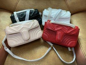 Горячие новые сумки Мода женщин сумки на ремне Classic Gold Chain 26см PU Сумка Сердце Стиль Женщины сумка сумка Crossbody сумка сумки 688