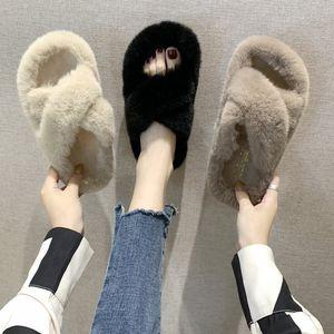 2019 novos chinelos de pele de coelho inverno versão coreana do desgaste exterior chiques pelúcia chinelos cruz do sexo feminino chinelos palavra plana mulheres