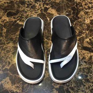 high quality Men Sandals Designer Shoes ace bee chaussures Slide Summer Fashion Wide Flat Slippery Sandals Slipper Flip Flop