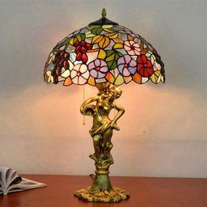 mesa de lujo estadounidense lámparas de noche habitación de hotel estudio Lámpara de mesa de café europeo de la moda retro Tiffany lámpara de cristal TF038