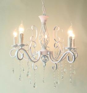 2019 Lámparas colgantes de araña de cristal de hierro forjado vintage Lámpara de techo blanca E14 Luces de velas Accesorio de iluminación