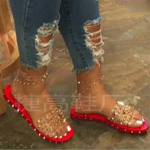 Sandálias 2020 Verão New Europeu de HKXN Mulheres e americanos Rivet Plus Size Sandals Mulheres Plano Chinelos T02