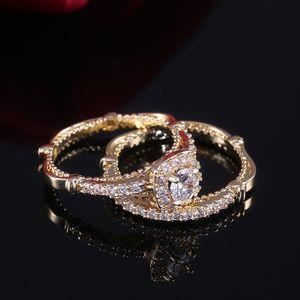 All'ingrosso della fabbrica 2PC anello nuziale super set di lusso Golden Color micro pavimenta Solitaire Anelli di fidanzamento per la ragazza