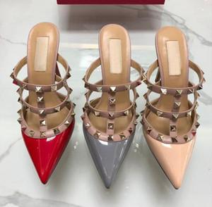 classici sandali delle donne v logo del marchio 6 cm tacco alto da sposa con rivetti Mucca Pelle Verniciata punta a punta partito scarpe da donna 34-43 box