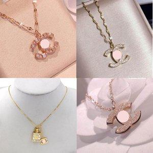 Top Designer colar carta de moda de luxo colar de cristal pingente de diamante colares Mulheres Pérola colares Jóias presente Banquet