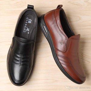 AA181 Amor zapatillas de deporte para hombre de las mujeres Triple Negro Ligera Link-relieve del único diseñador de los zapatos ocasionales 001 01 01 01
