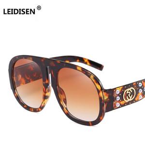 Big Frame Pearl Rivet Occhiali da sole Donna Brand Designer Vintage Occhiali da sole Moda Donna Occhiali Oculos Uv400 di alta qualità