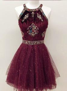 2021 Vino Velvet rosso Bling Bling Crystal Graduation Dresses Halter Paillettes Tessuto in rilievo Paillettes Paillettes Breve Party Prom Dress Formal Gowns