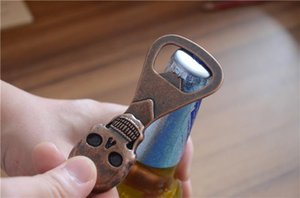 Skull Style Apribottiglie Mini figura di chiave portatile bottiglia del vino della birra di Keychain apri attrezzo apri Colore Bronzo