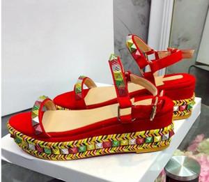 2019 Chic Rivet dei cunei della piattaforma Gladiator Sandals donna Open Toe misto scarpe da sposa colori canapa scarpe tacco donna