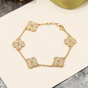 2020 de calidad superior de latón material de pulsera punky diseño de 5 flores con todos los diamantes de las mujeres de calidad superior PS8216 pendiente de la joyería de regalo