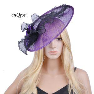 2020 il nuovo disegno Big sinamay dei capelli piattino fascinator accessorio cappello abito con piume per le gare wedding.Kentucky Derby