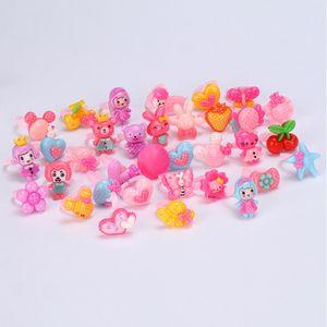 20pcs / set Zufallsmix Tierisches Herz Assorted Baby-Kind-Mädchen-Kind-Karikatur-Ringe für Weihnachtsgeschenke