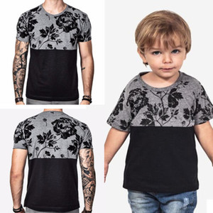 2018 ropa que coinciden con la familia Mismo vestido camiseta floral Padre Baby Kids pares del amor la camiseta a juego Tops Ropa
