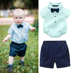 Babykleidung stellte kurzen Hülsenspielanzug + kurze Hosen 2pcs Säuglingskleinkindherrausstattungskinder formale Kleidungsboutiquenkleidung C6510 ein