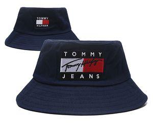 Top Design Jeans casquette Chapeaux logo Fisherman Stingy Brim football Seaux Chapeaux Coton Femmes Hommes Chapeau de Soleil Tonneau Casquettes