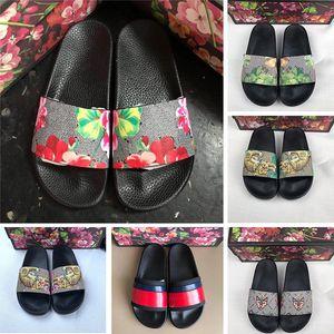 En Kaliteli 2019 Yeni Tasarımcı Erkek Çiçek brokar Terlik Moda Bayan Kauçuk Sandalet Flats Geniş Slaytlar Kadın Çevirme 36-45