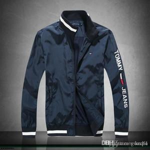 GIACCA 18SW caldo denim con maniche strappate per giacche ALTA QUALITA tendenza hip hop della vecchia annata Motociclo degli uomini con adesivi dei jeans YETUC