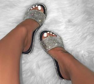 Verano mujeres básicas diamantes sandalias cristal brillante Slip-On Cut Out señoras sandalias planas al aire libre vacaciones diapositivas 9070