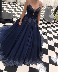 Setwell 2019 Azul marino Spaghetti Ball Ball Vestido de fiesta Sin mangas Apliques de encaje plisado Piso con cuentas Fiesta de fiesta Vestido formal