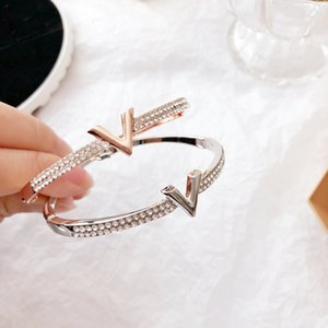 Lettre V pleine cristal bras Bracelet Bracelets Bijoux Bracelets CZ pour les femmes manchette ouverts charmes Bracelets
