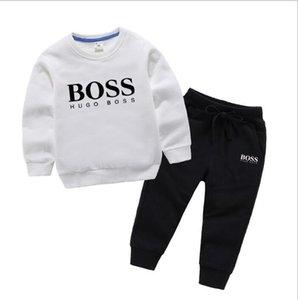 Hot Sell New Style Vêtements pour enfants pour les garçons et les filles sport costume de bébé de bébé manches courtes Vêtements enfants Set 2-8T âge