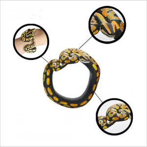 Kinderlustige Neuheit Geschenke Halloween Spoof Spoofing Snake Toy Wrapable Arm Python-Schlange-Armband Simulation Tiermodell Gag Spielzeug CFYZ130Q