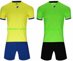 Personnalité Boutique populaire vêtements personnalisés Custom Design Soccer Jerseys conception en ligne votre maillot de football personnalisé Sets avec l'usure Shorts