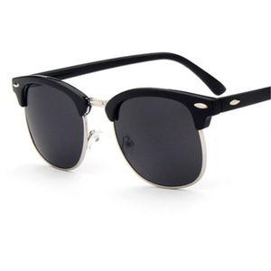 Zxrcyyl 2020 Fashion New Sunglasses Men Women Retro Rivet High Quality Polaroid Lens Brand Design Sun Glasses Female Oculosuv400 lbtCC