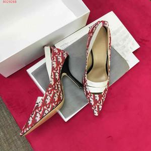 2019 novas mulheres vestido sapatos de marca fornecedor personalizado personalização High-end impressos sapatos de salto alto estilo delicado moda quente