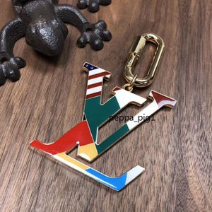 Top classic letter keychains for women men top design STYLE high quality gold keyrings keybuckle car and bag popular Accessories A14