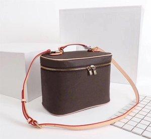 Designer Bucket bag for women Cosmetic Case Orignal leather women shoulder bag Tote designer handbags presbyopic purse makeup purse nice bb