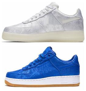 Más calientes de 2020 Clot Fuerzas Airss PRM 1 azul de seda blanco de los zapatos corrientes de las zapatillas de deporte de los hombres de las mujeres Juego Real Entrenadores