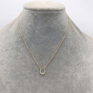 Moda en stock diamante joyería corta para las mujeres chapado en oro rhinestone de cristal pavimentado pequeño collar colgante de herradura