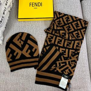 Designer de Lã Inverno Mulheres Caps Moda Casal Chapéus Conjuntos de Lenços Personalidade Logotipo Da Marca Lenço para Presente de Aniversário