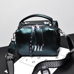 Nuovo sulla nuova versione coreana di stile europeo il merci europee Boston bag femminile tessitura salice chiodo a banda larga cuscino sacchetto crossbody