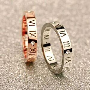 2019 joyería de la manera hueco exquisito suerte números joyería romana anillo del dedo anular Rose chapado en oro temperamento de acero de titanio